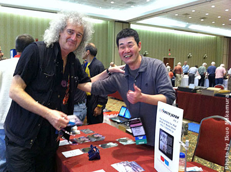 3DCon2013_me_and_DrBrianMay_2D_450